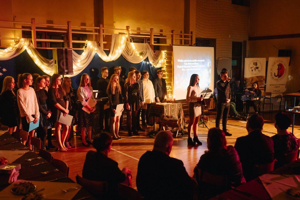 Koncert kolęd dla AK-owców i Sybiraków z Augustowa i Sokółki podczas wigilii, którą zorganizowaliśmy w 2019 r.